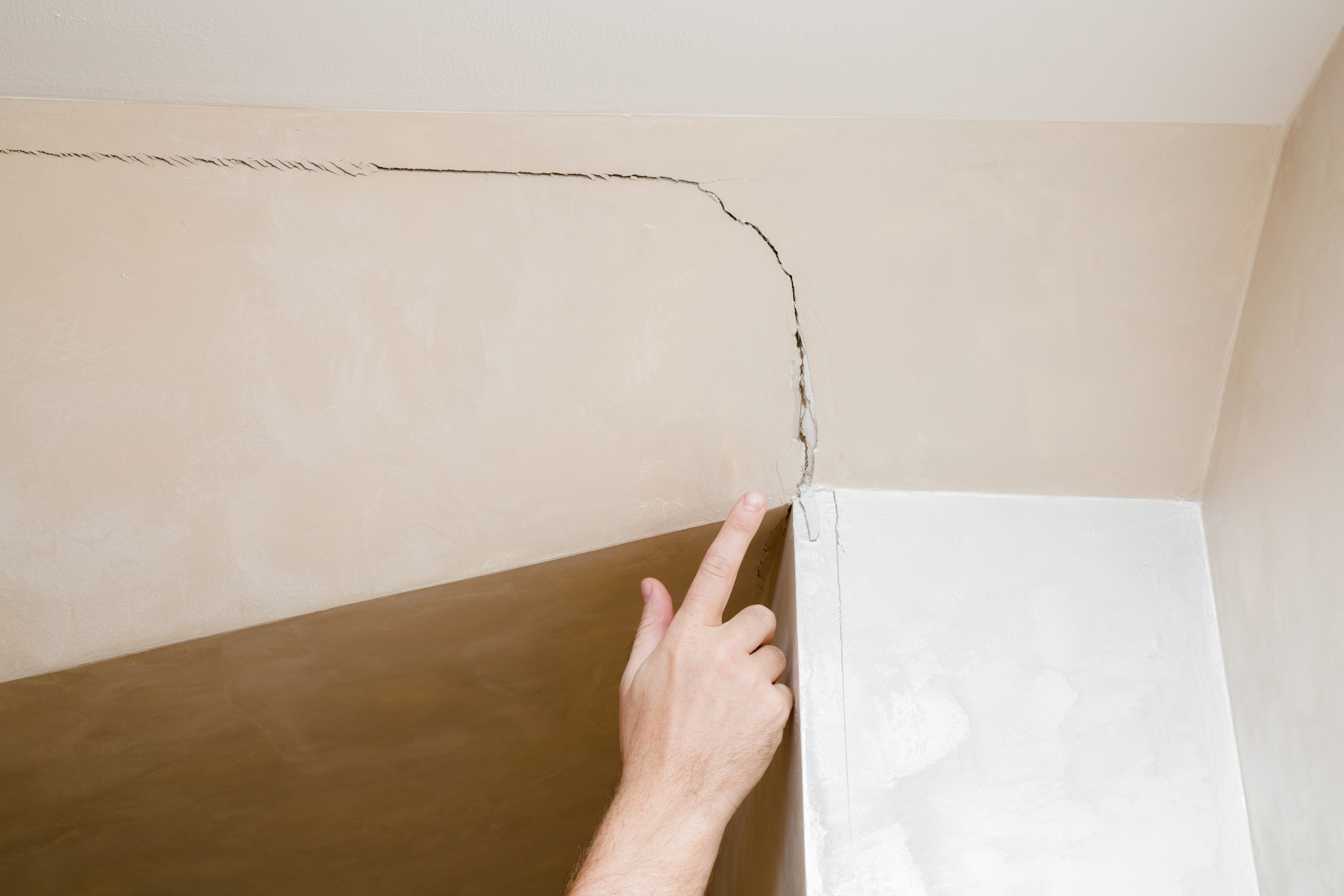 ceiling cracks indicate foundation issues